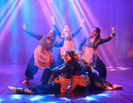 Orientalisk dansshow med Layali Orientaliska Dansakademi