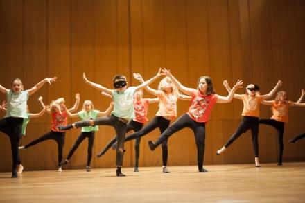 Streetdance/ Showdans/ Gymnastik 7-8 år Terminskurs