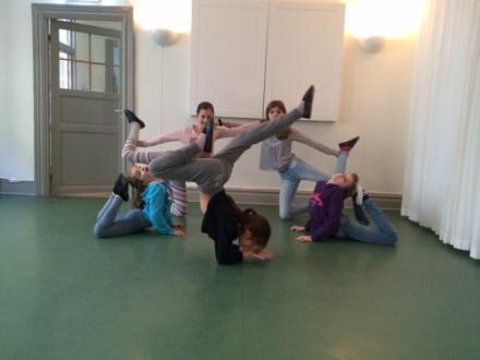Gymnastik/Akrobatik/Showdans för 7-8 år (Terminskurs) vår 2018