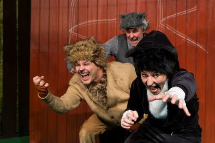 Familjelördag: Klösiga katters klubb – Mittiprickteatern