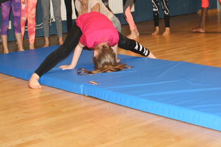 Gymnastik/Akrobatik/Showdans för 6-8 år Terminskurs