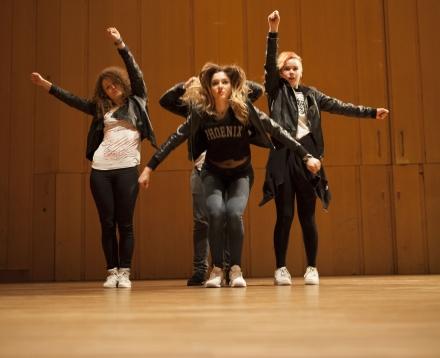 Showdans/ Musikal/ Streetdance 14-18 år Terminskurs