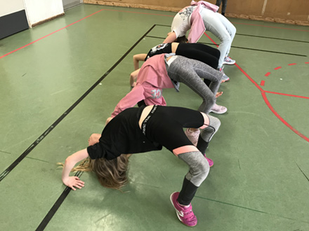 Gymnastik/ Akrobatik/ Showdance 6-8 år Terminskurs