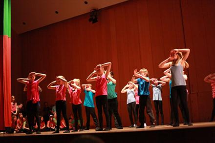 Streetdance/ Gymnastik/ Showdans 6-7 år Terminskurs