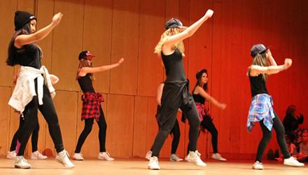 Streetdance/ Showdans/ Gymnastik 8-9 år Terminskurs
