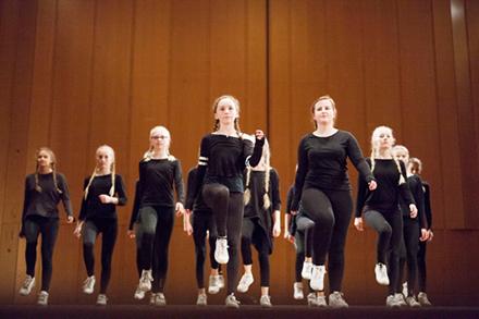 Streetdance/ Showdans/ Gymnastik 14-16 år Terminskurs